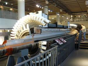 タービン発電機カットモデル
